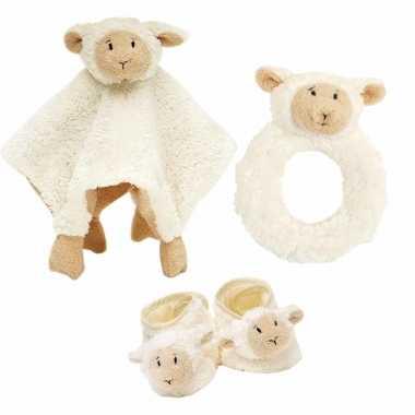 Baby cadeau setje rammelaar, slofjes en tuttel doekje van lammy het lammetje